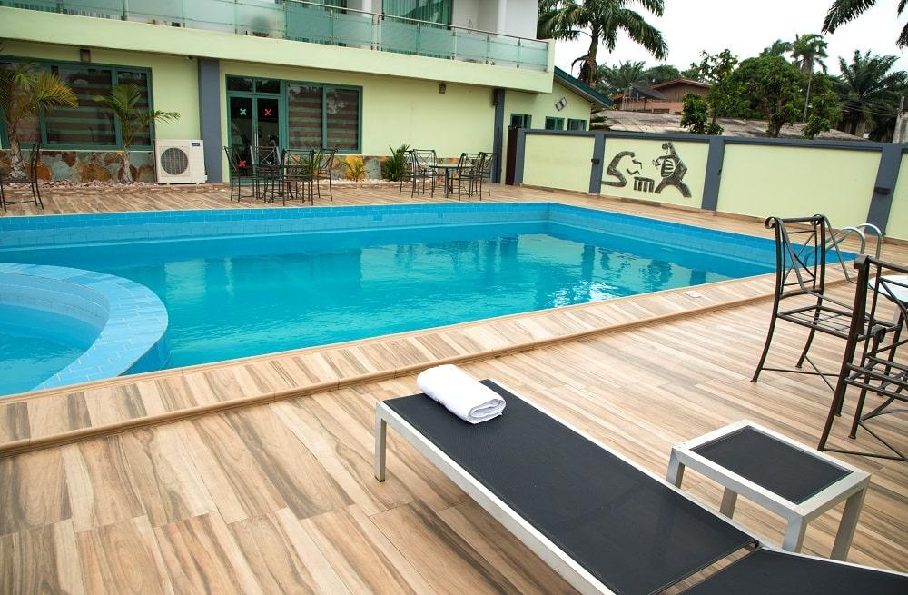 Crystal-Palm-Hotels-poolside-2-min