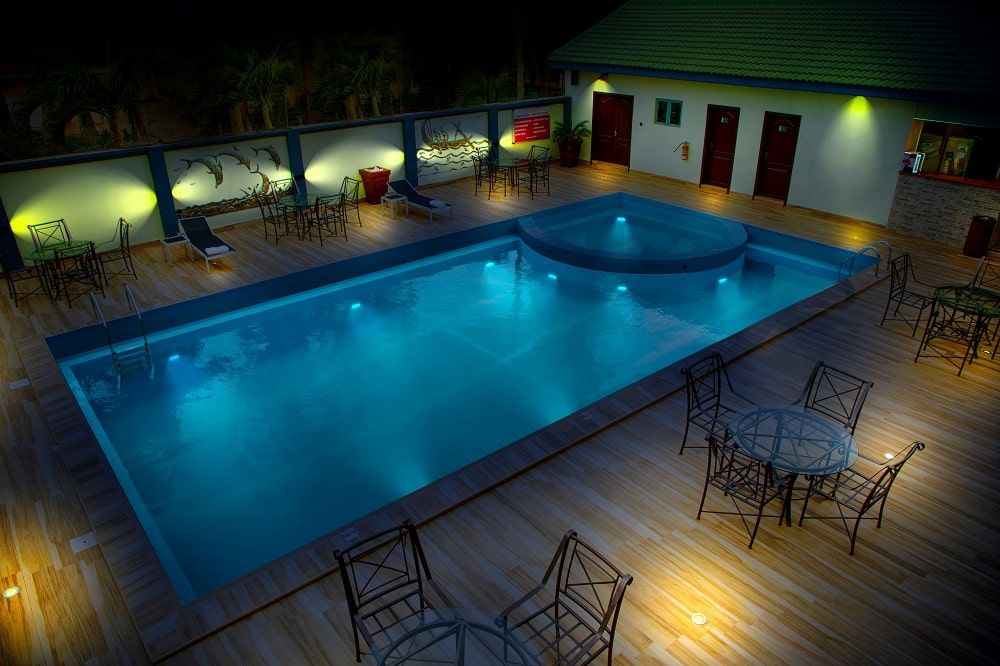 Crystal-Palm-Hotels-poolside-4-min