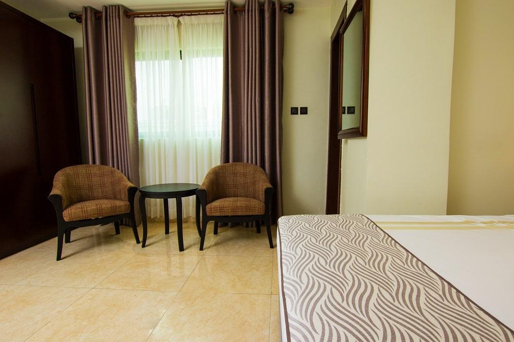 Crystal-Palm-Hotels2-min